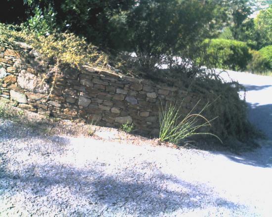rond en pierre de bormes